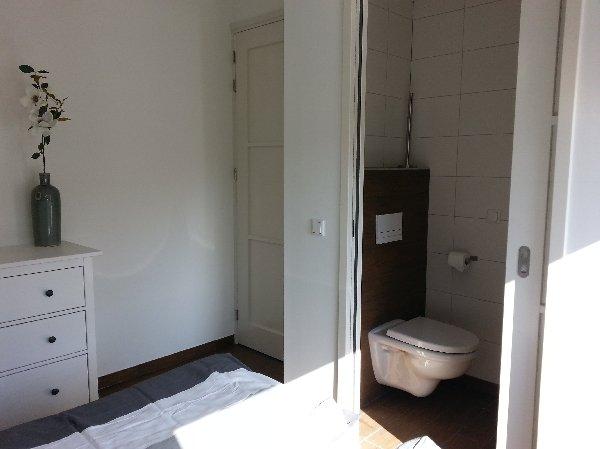 douche/toilet bij 2-persoons slaapkamers